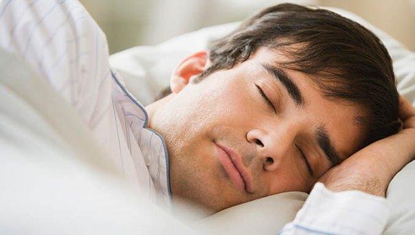 Сон для мужского организма может нести как пользу, так и вред