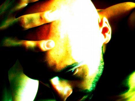Мужчинам стоит повнимательнее относится к мигреням, они могут привести к импотенции