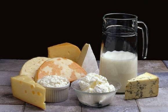 Кто бы мог подумать, сыр и молоко опасно для мужского здоровья