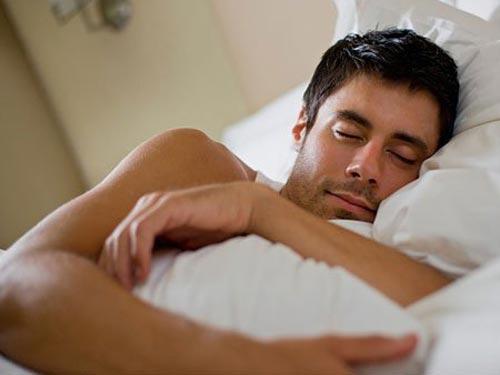 Мужчинам в первую очередь показан здоровый сон