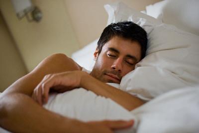 Предупреждение мужских болезней с помощью полноценного сна