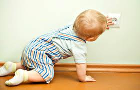 Первая помощь ребенку при ударе током