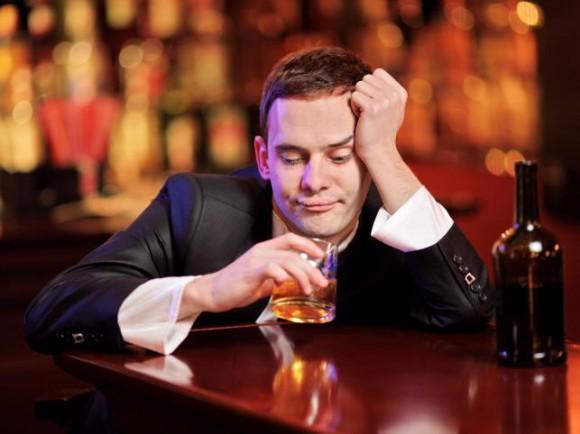 Алкоголь может сделать молодых мужчин бесплодными