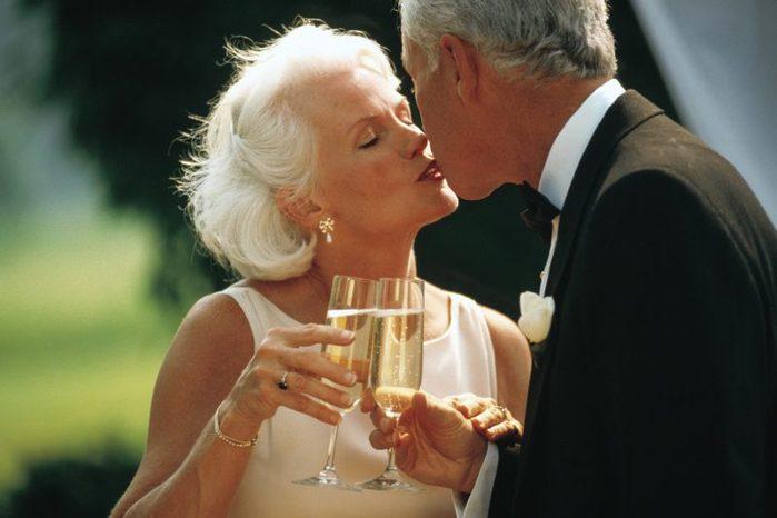 Второе дыхание в сексе наступает в браке после 50 лет