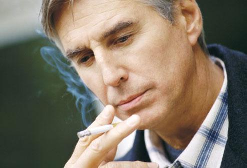 Курение уменьшает размер пениса на 1 см несколько раз в течение жизни