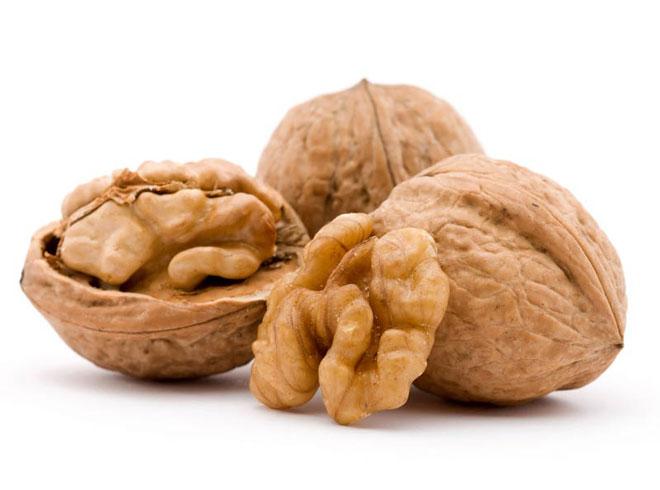 Орехи помогут улучшить потенцию
