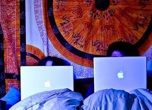 Исследования показывают: фильмы, книги, интернет мешают сексу
