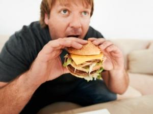 Вредная пища может вызвать у мужчин импотенцию