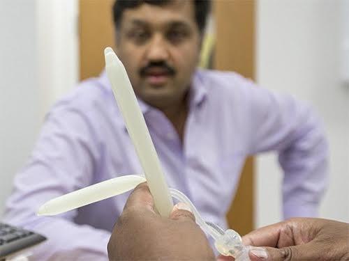 Мужчина опробовал бионический пенис в деле