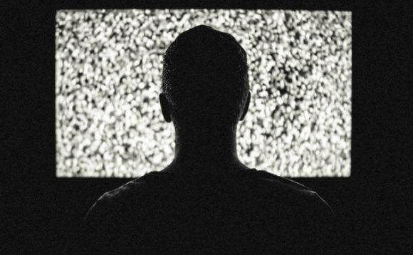 Любовь к телевизору грозит мужчинам бесплодием
