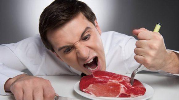 Обработанные мясопродукты снижают фертильность мужчины