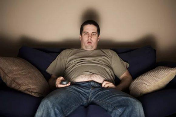 Вредные привычки и сидячий образ жизни могут привести к проблемам в сексуальной жизни