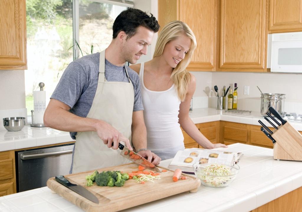 Совместная домашняя работа супругов улучшает их сексуальную жизнь