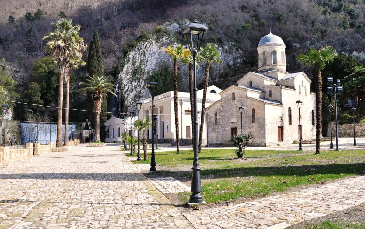 Популярные храмы Абхазии