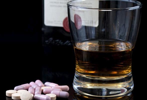 Можно ли пить алкоголь, принимая противоаллергические препараты?