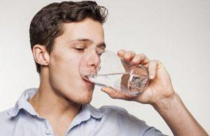 Открытие: нехватка воды губительна для мужского организма
