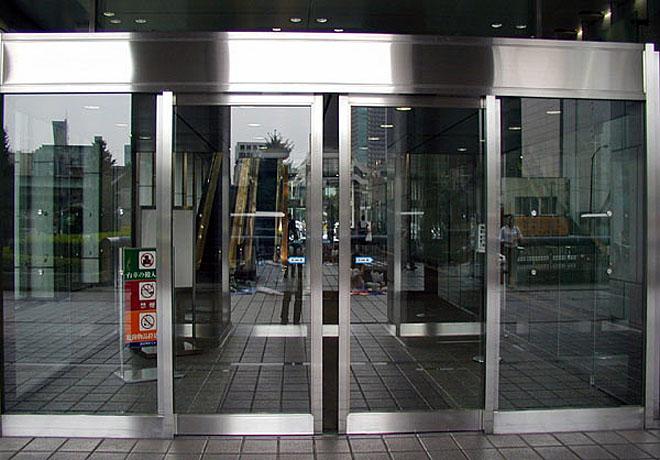 Автоматические раздвижные двери в Москве