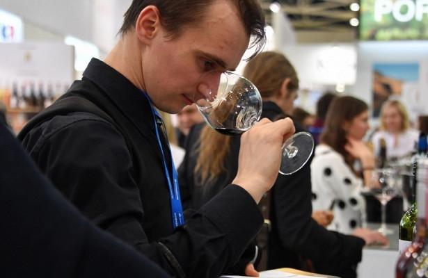 Ученые: употребление вина вызывает рак простаты у мужчин