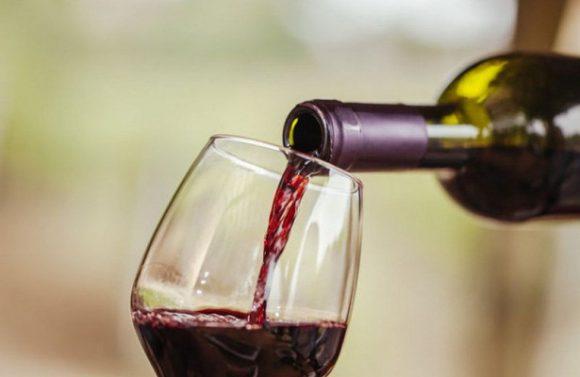 Красное вино оказалось полезным для мужчин