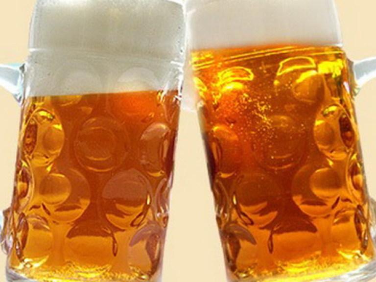 Уролог: Пиво может сделать мужчину импотентом