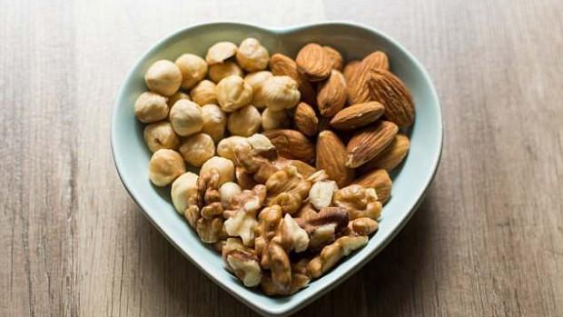 Употребление орехов стимулирует производство спермы
