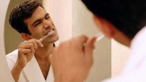 Болезнь десен может приводить к проблемам с эрекцией у мужчин