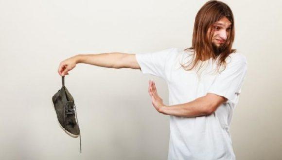 Избавление от неприятного запаха ног вполне возможно
