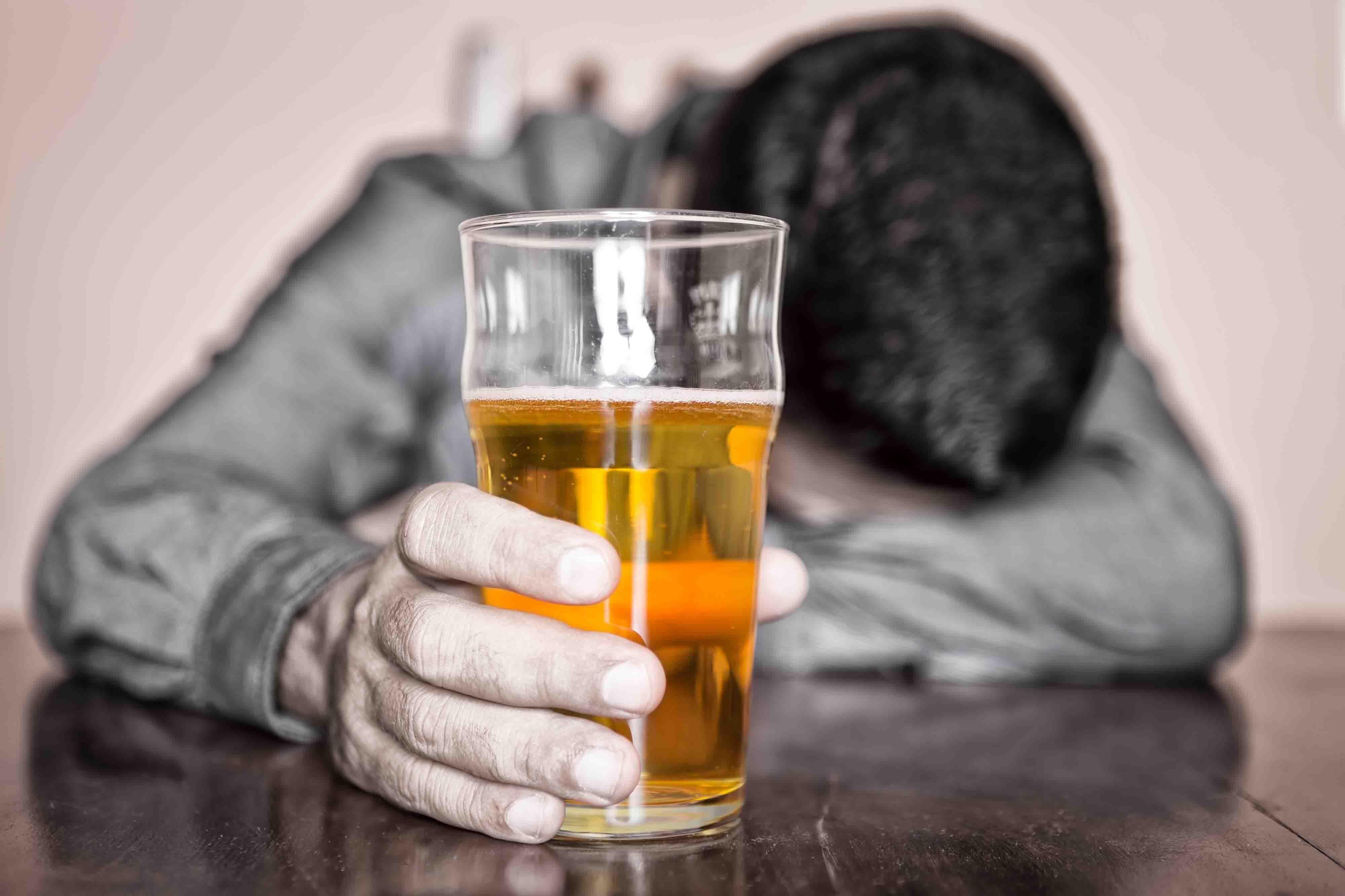 Медики опровергли пользу от умеренного употребления алкоголя
