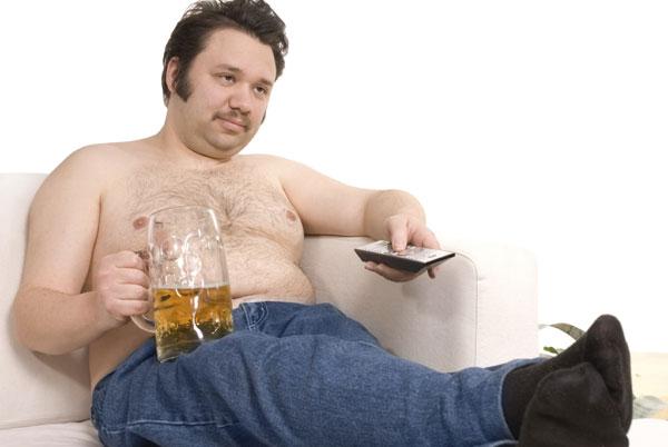 Пивной алкоголизм: симптомы и домашнее лечение