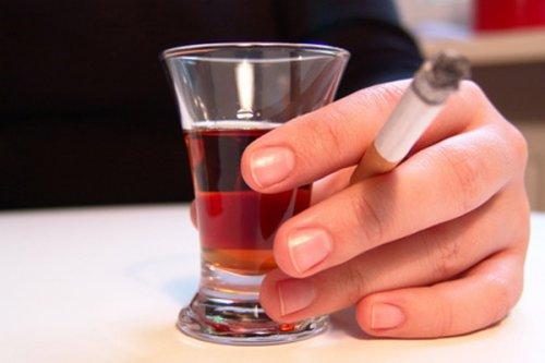 Мужчины не знают о том, что алкоголь вызывает бесплодие