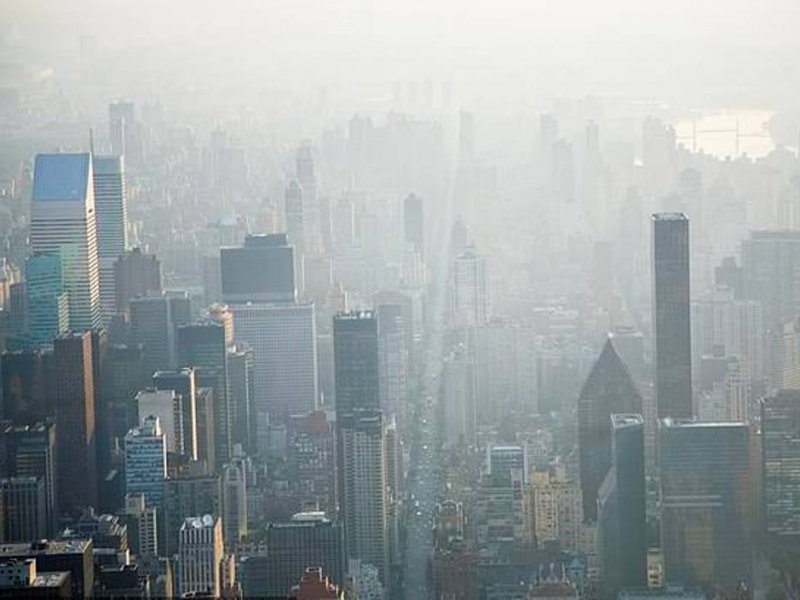 Городской воздух заражает мужчин раком