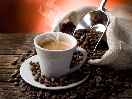 Медики объяснили, как кофе влияет на потенцию