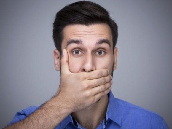 Пародонтит способен довести мужчину до импотенции