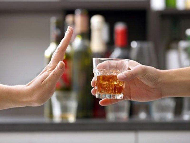 Эксперимент показал, что тягу к алкоголю можно подавить с помощью окситоцина