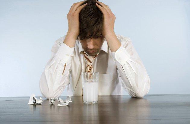 С утра выпил — весь день насмарку: 3 способа избежать дневного похмелья