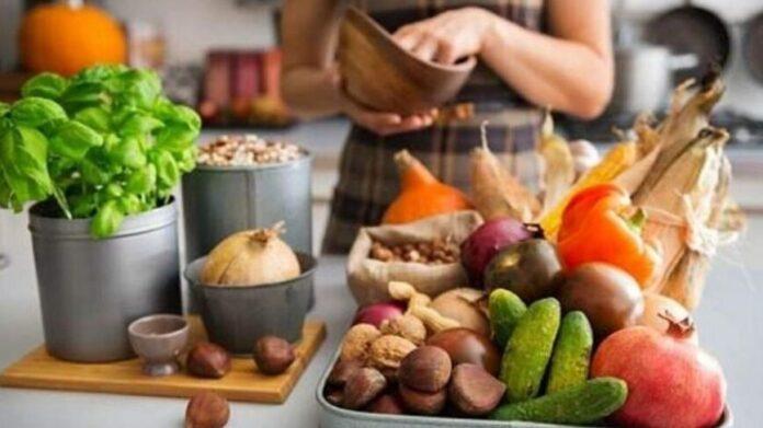 Врачи рассказали о полезных и вредных для мужского здоровья продуктах
