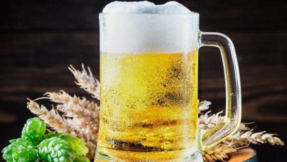 Врачи рассказали, кому категорически нельзя пить пиво
