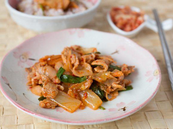 Острое корейское блюдо кимчи поможет при облысении