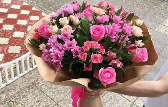 Букеты от доставки цветов по Полтаве в офис – особенности предложения