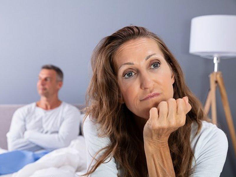 Женщины после менопаузы теряют либидо из-за мужчин