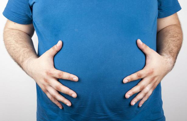 Ученые заявили об опасности жира на животе