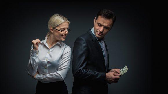 Эксперт: мужская жадность говорит о проблемах в интимной жизни