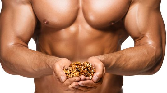 Орехи могут спасти мужчин от бесплодия