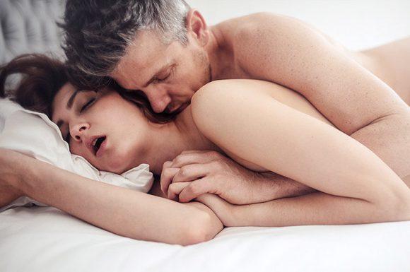 Секс помогает укрепить иммунитет в условиях эпидемии, советуют врачи