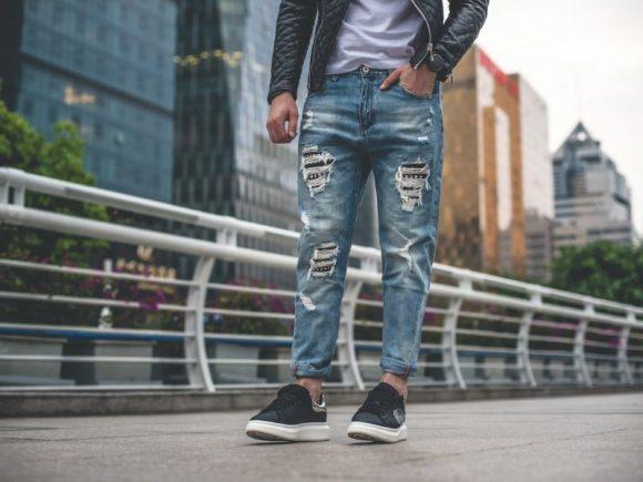 Носить обтягивающие джинсы оказалось опасным для мужчин