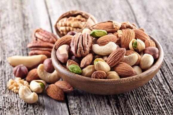 Для повышения качества спермы эксперты советуют есть орехи