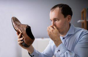 Почему у мужчин постоянно потеют ноги
