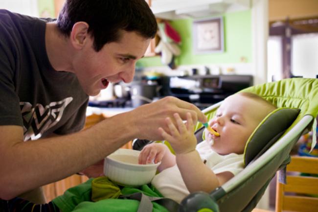 Отцовство снижает уровень тестостерона