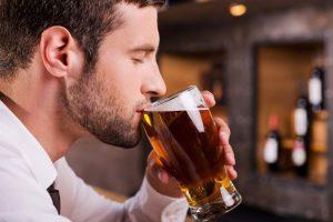 Медики предупредили об опасности пива для здоровья мужчин