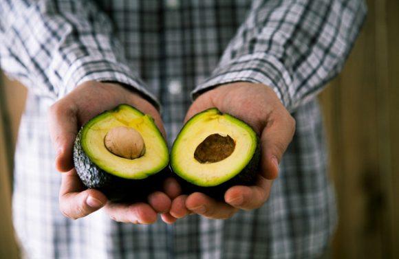Ученые: жирная пища полезна для мужчин